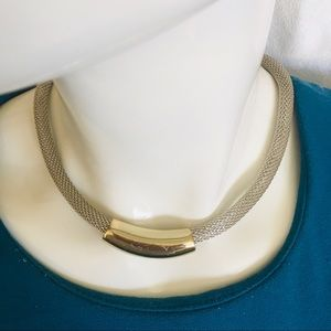 Necklace-choker silver tone chain
